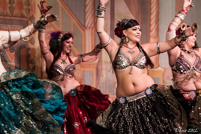 Photo via http://www.wildcardbellydance.com/