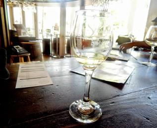 schneblys-winery2-homestead-curves-a-la-mode.jpg