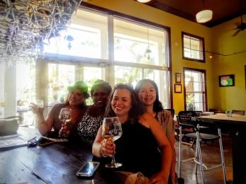 schneblys-winerygirls1-homestead-curves-a-la-mode