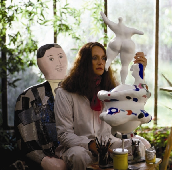 Niki de Saint Phalle painting Le Monde, c. 1981 Photo by Laurent Codominas © 2010 Niki Charitable Art Foundation, All rights reserved.